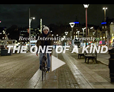 Voir la video THE ONE OF A KIND